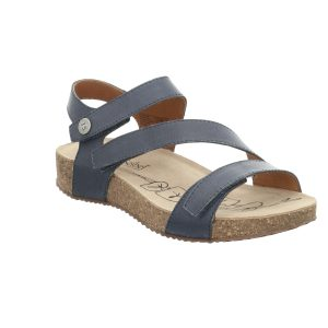 Fully adjustable ladies navy blue leather sandal with three straps over-foot for the perfect fit. Crafted in soft supple leathers Tonga 25 is a stylish and versatile sandal for day or evening wear. A leather sandal with a neutral cork-effect sole and a modern low wedge heel.